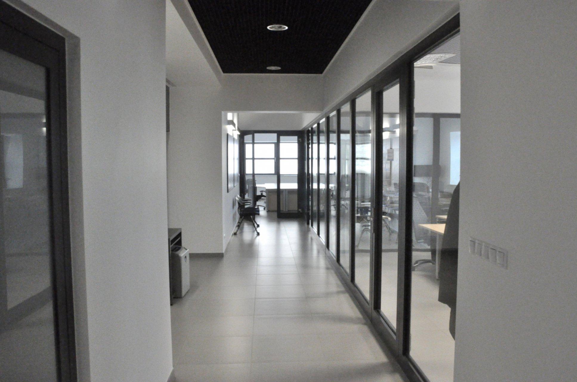 Hala montażowa z budynkiem biurowym w Bielsku-Białej