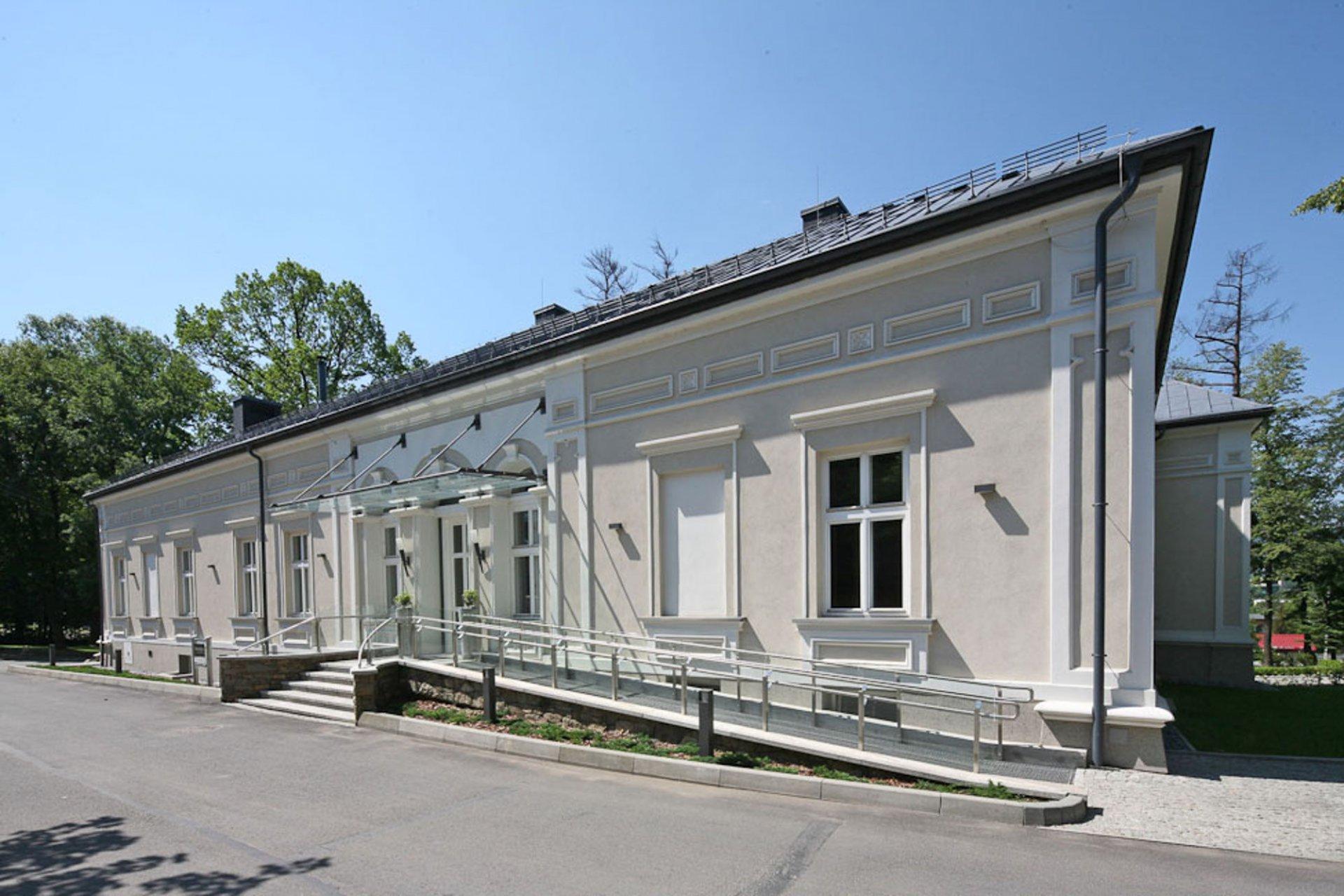 Restauracja Dworek New Restaurant w Bielsku-Białej