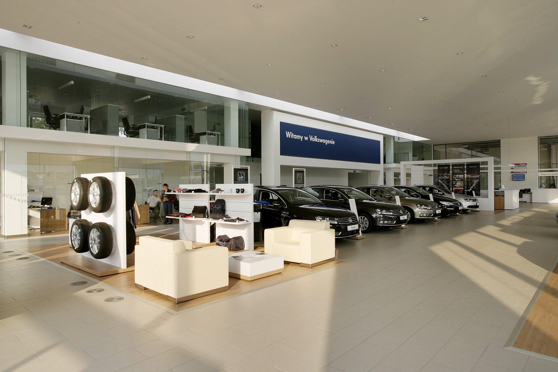 Wnętrza salonu samochodowego Volkswagen w Świętochłowicach