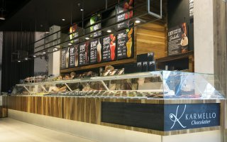 """Interiors of the """"Karmello Chocolatier"""" store and cafe in Wroclaw"""